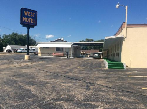 West Motel Photo