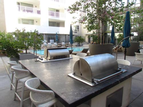 Amazing location and amenities brand new - West Hollywood - Los Angeles, CA 90046