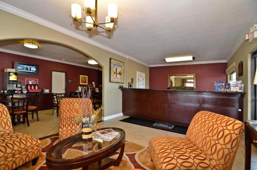 Best Western Anderson Inn Photo