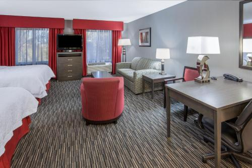 Hampton Inn & Suites Temecula Photo