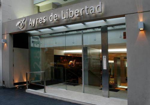Ayres de Recoleta Libertad Photo