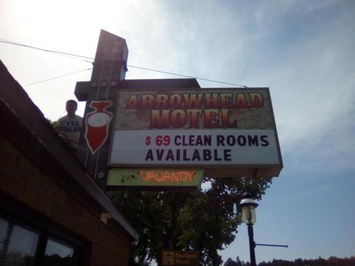 Arrowhead Motel Photo