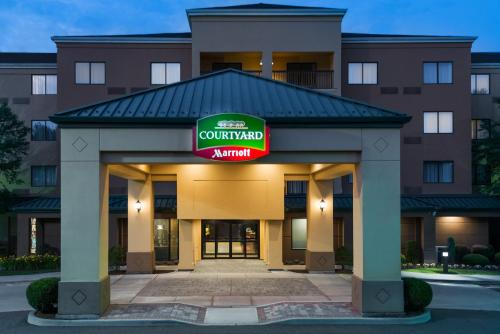 Courtyard by Marriott Danbury Photo