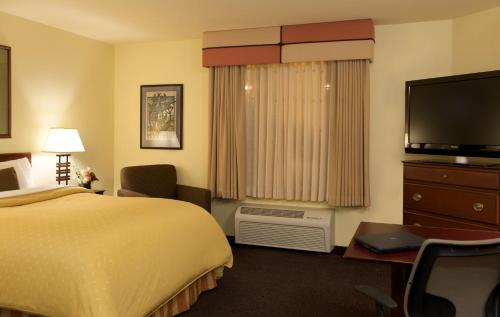 Larkspur Landing Roseville-An All-Suite Hotel - Roseville, CA 95661