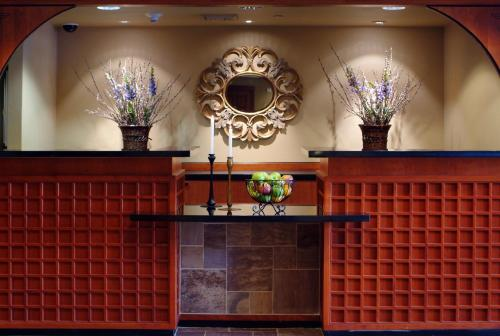 Larkspur Landing Roseville-An All-Suite Hotel Photo