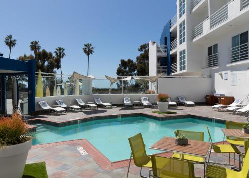 DoubleTree Suites by Hilton Doheny Beach Photo