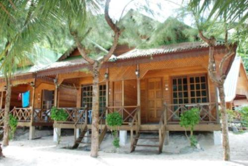 New Cocohut Chalet