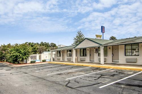 Motel 6 Union City Photo