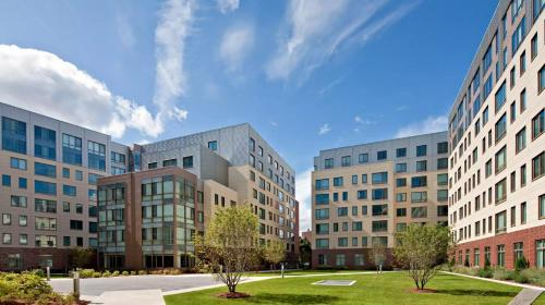 Global Luxury Suites at Kendall Square Photo