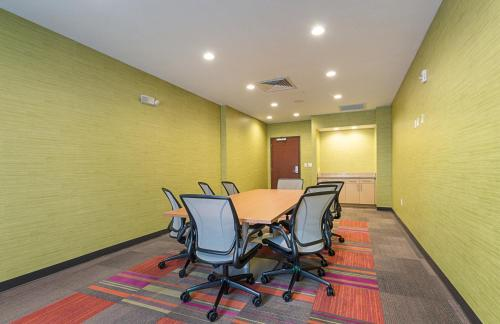 Home2 Suites By Hilton Oklahoma City Yukon Photo