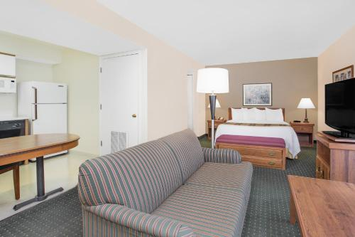 Hawthorn Suites Green Bay Photo