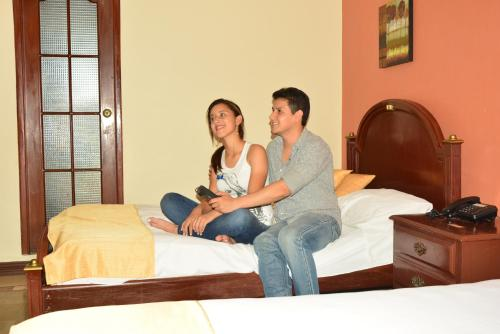 Hotel Suites Don Juan Photo