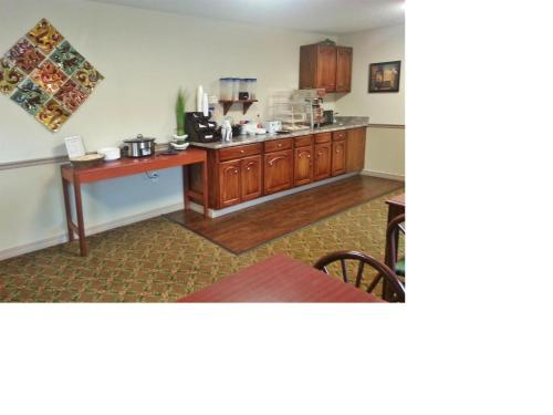 Americas Best Value Inn & Suites - Little Rock - Maumelle Photo