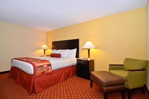 Best Western Plus Parkway Hotel Photo