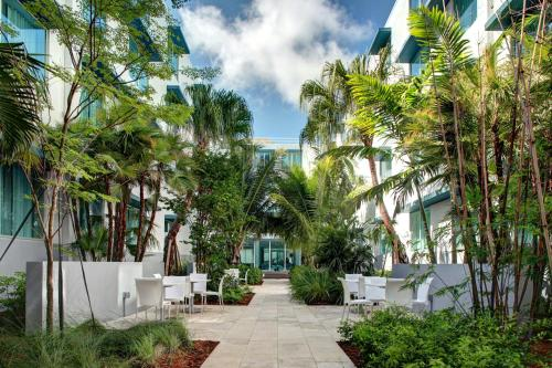 Residence Inn by Marriott Miami Beach Surfside Photo