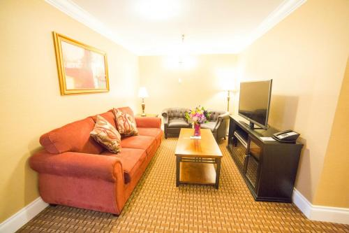 Best Western Plus Abercorn Inn Photo