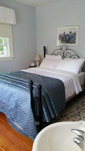 Farmhouse Inn B&B Photo