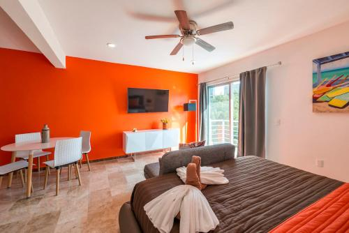 Suite Coral Orange Photo