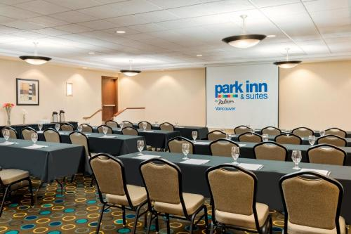 Park Inn & Suites by Radisson Photo