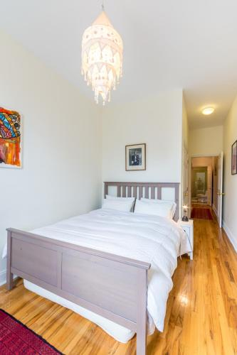 Two Bedroom Suite-Harlem Photo