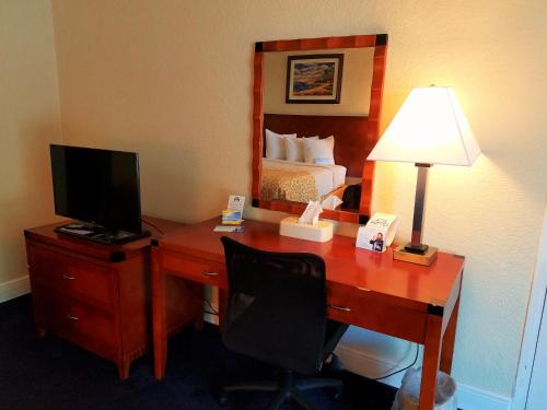 Days Inn & Suites Clermont Photo