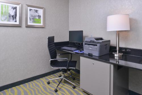 Best Western Irving Inn & Suites At Dfw Airport - Irving, TX 75062