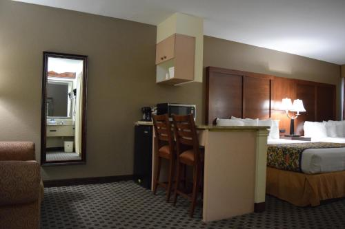 Best Western Ingram Park Inn Photo