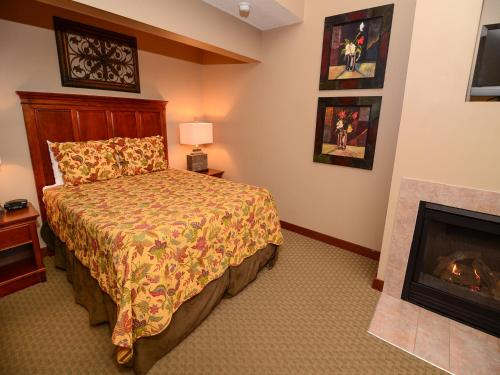 Suites at Silver Tree Photo