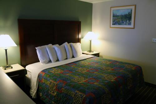 Great Western Inn & Suites Photo