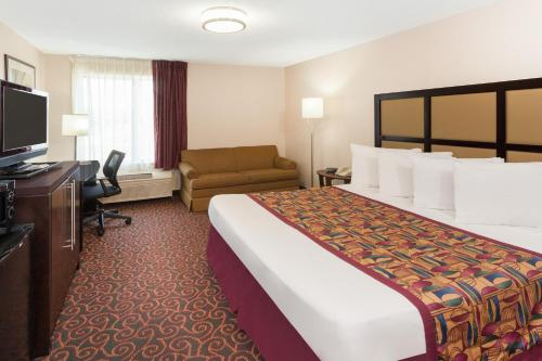 Baymont Inn and Suites Chicago-Calumet City Photo