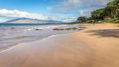 Kamaole Sands 10-306 by PMI Maui Photo
