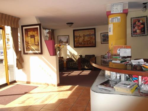 Hostal El Peral Photo