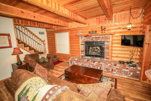 Las Brisas Log Cabin Photo