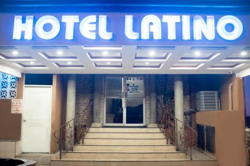 Hotel Latino Photo