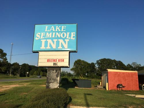 Lake Seminole Inn Photo