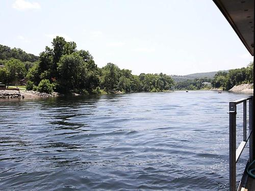 Cast Away on Taneycomo Photo