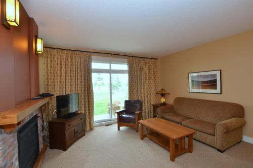 2 Bedroom Rivergrass Condo Photo