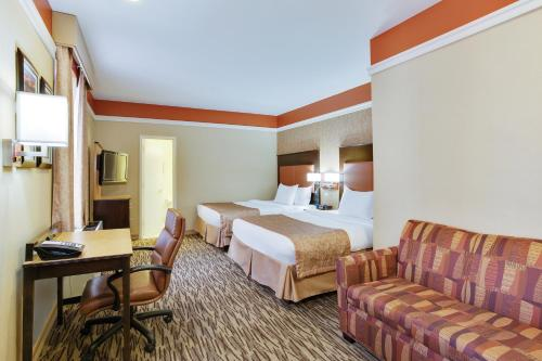 La Quinta Inn & Suites Manhattan photo 12