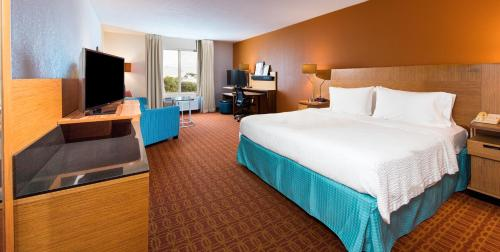Fairfield Inn & Suites by Marriott Fort Myers Cape Coral Photo