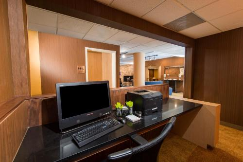 Fairfield Inn & Suites by Marriott Fort Myers Medical District Photo