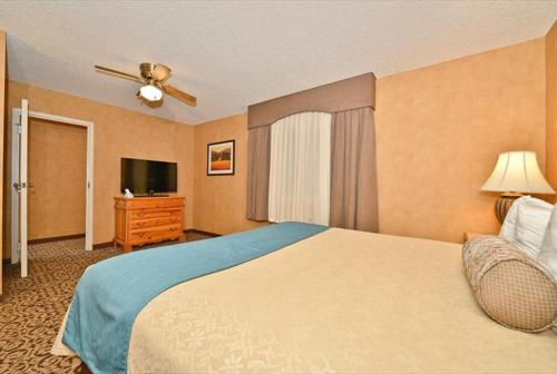 Best Western PLUS Black Oak Photo