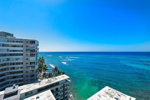 Diamond Head Beach Hotel Photo