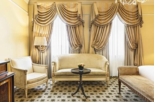 Hotel Grande Bretagne, a Luxury Collection Hotel photo 45