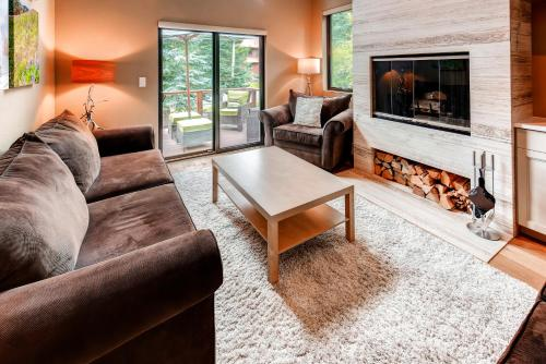 Modern Mountain Luxe by Colorado Rocky Mountain Resorts Photo