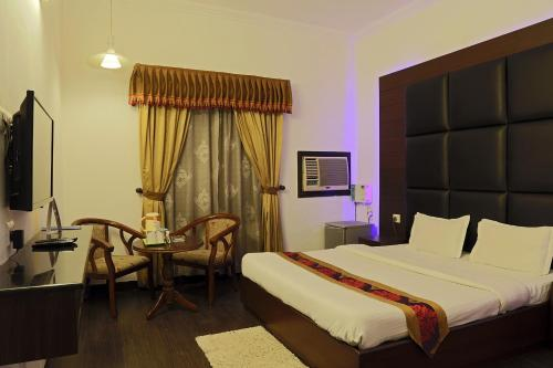 Fabhotel Dee Novo Golf Course Road