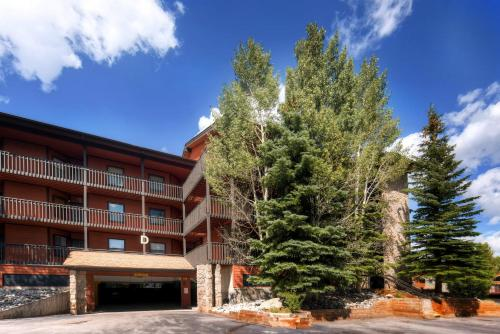 Mountainside D 257 by Colorado Rocky Mountain Resorts