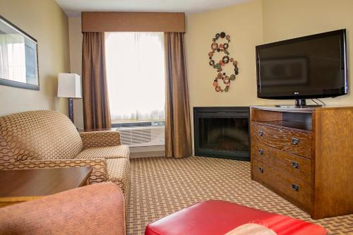 GrandStay Inn & Suites of Luverne Photo