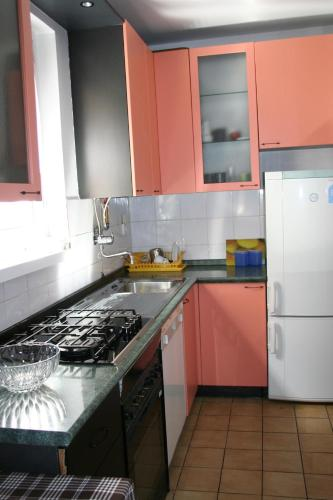 http://www.booking.com/hotel/hr/apartment-arena-laniste.html?aid=1728672