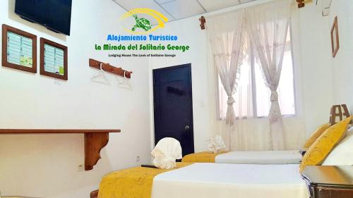 Hostal La Mirada del Solitario George Photo
