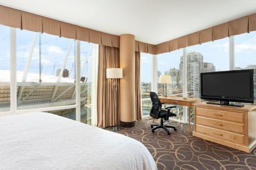 Hampton Inn & Suites, by Hilton - Vancouver Downtown Photo